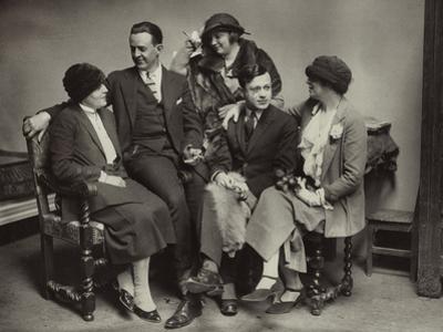 Avant-garde group in Paris, c.1925