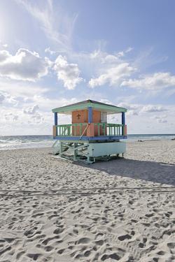 Beach Lifeguard Tower '14 St', Typical Art Deco Design, Miami South Beach by Axel Schmies