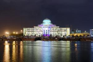 Colourful Illumination, Projection, Sharjah Light Festival, Palace of Justice, Courthouse by Axel Schmies