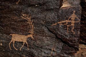 Ancient Petroglyphs Dating Back 4,500 to 17,000 Years Ago by Babak Tafreshi