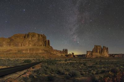 Moonlight on the Courthouse Towers with the Milky Way above the Three Gossips formation by Babak Tafreshi