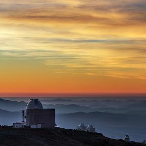 Sunset over the La Silla Observatory and Inversion Layers by Babak Tafreshi