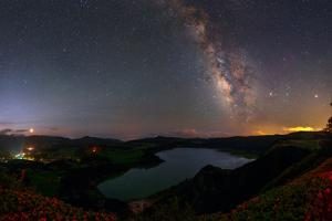 The Milky Way over the Furnas Crater Lake by Babak Tafreshi