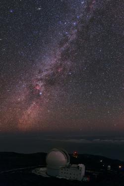 The William Herschel Telescope Below the Milky Way by Babak Tafreshi