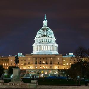 View of the Capitol Building at Night by Babak Tafreshi