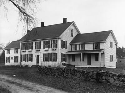 https://imgc.allpostersimages.com/img/posters/babe-ruth-s-farmhouse_u-L-PZOSFF0.jpg?artPerspective=n