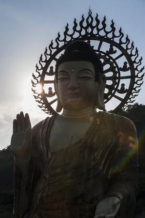 https://imgc.allpostersimages.com/img/posters/backlit-golden-maitreya-statue-beopjusa-temple-complex-south-korea-asia_u-L-PQ8MWN0.jpg?p=0