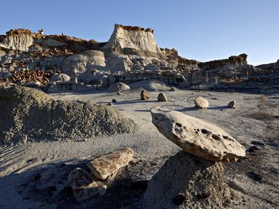https://imgc.allpostersimages.com/img/posters/badlands-bisti-wilderness-new-mexico-united-states-of-america-north-america_u-L-PHCNQP0.jpg?p=0