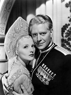 BALALAIKA, 1939 directed by REINHOLD SCHUNZEL Ilona Massey and Nelson Eddy (b/w photo)