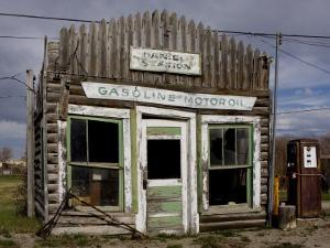 Ruins of Gas Station, Pinedale, Wyoming, United States of America, North America by Balan Madhavan