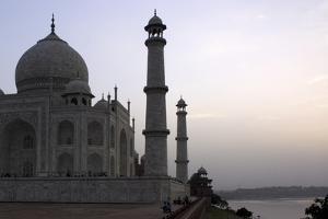 Yamuna River and Taj Mahal, UNESCO World Heritage Site, Agra, Uttar Pradesh, India, Asia by Balan Madhavan