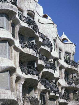 https://imgc.allpostersimages.com/img/posters/balconies-on-the-casa-mila-a-gaudi-house-in-barcelona-cataluna-spain_u-L-P7MPUO0.jpg?p=0