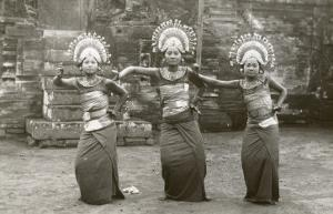 Balinese Temple Dancers