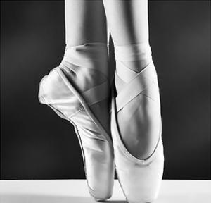 Ballerina's Pointes Black&White
