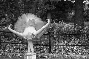 Ballerina Street Performer in Central Park, NYC