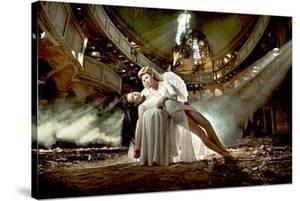 Ballet Dancer & Angel in Ruine