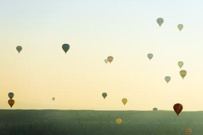 https://imgc.allpostersimages.com/img/posters/balloon-flight-over-goreme-goreme-cappadocia-anatolia-turkey_u-L-Q12SBBK0.jpg?p=0