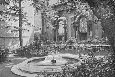 https://imgc.allpostersimages.com/img/posters/bank-of-england-fountain-city-of-london-c1910-1911_u-L-Q1EFJO50.jpg?artPerspective=n