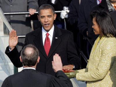 https://imgc.allpostersimages.com/img/posters/barack-obama-sworn-in-by-chief-justice-roberts-as-44th-president-of-the-united-states-of-america_u-L-Q10OPE30.jpg?p=0