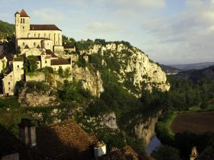 St Cirq Lapopie High on Cliff Overlooking the Lot River by Barbara Van Zanten