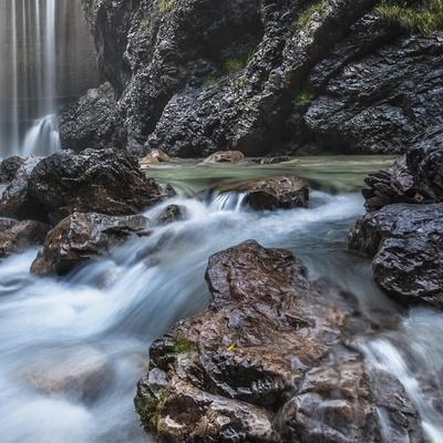 https://imgc.allpostersimages.com/img/posters/barcis-falls-square_u-L-Q1CAADJ0.jpg?artPerspective=n