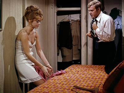 https://imgc.allpostersimages.com/img/posters/barefoot-in-the-park-1967-directed-by-gene-sachs-jane-fonda-and-robert-redford-photo_u-L-Q1C3FV30.jpg?artPerspective=n