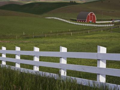 https://imgc.allpostersimages.com/img/posters/barn-in-the-palouse-washington-state-usa_u-L-PFNMD00.jpg?p=0