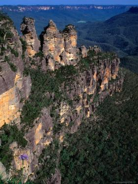 Three Sisters Rock Formation, Katoomba Blue Mountains National Park, New South Wales, Australia by Barnett Ross