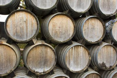 https://imgc.allpostersimages.com/img/posters/barrels-of-wine-kunde-winery-sonoma-valley-california_u-L-Q1D01SD0.jpg?p=0