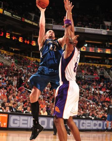 Minnesota Timberwolves v Phoenix Suns: Kevin Love and Channing Frye