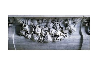 https://imgc.allpostersimages.com/img/posters/bath-with-relief-decoration-of-shells_u-L-PRLHWA0.jpg?p=0