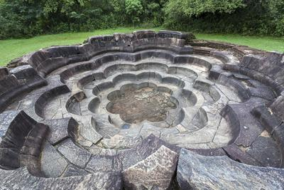 https://imgc.allpostersimages.com/img/posters/bathing-pool-nekum-pokuna-polonnaruwa-unesco-world-heritage-site-sri-lanka-asia_u-L-PQ8N4Z0.jpg?p=0