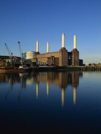 https://imgc.allpostersimages.com/img/posters/battersea-power-station-london-england-united-kingdom-europe_u-L-P7O1CW0.jpg?p=0