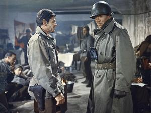 BATTLE OF THE BULGE, 1965 directed by KEN ANNAKIN Charles Bronson and Henry Fonda (photo)