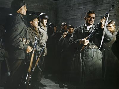 https://imgc.allpostersimages.com/img/posters/battle-of-the-bulge-1965-directed-by-ken-annakin-james-macarthur-henry-fonda-and-dana-andrews-ph_u-L-Q1C39AZ0.jpg?artPerspective=n