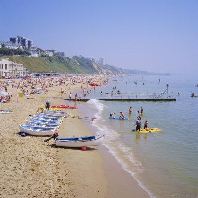 https://imgc.allpostersimages.com/img/posters/beach-and-boats-bournemouth-dorset-england_u-L-P2QWG90.jpg?p=0