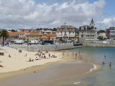 https://imgc.allpostersimages.com/img/posters/beach-and-harbour-cascais-portugal-europe_u-L-P7XE4S0.jpg?p=0