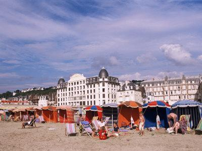 https://imgc.allpostersimages.com/img/posters/beach-tents-on-the-beach-trouville-basse-normandie-normandy-france_u-L-P1TVKG0.jpg?p=0