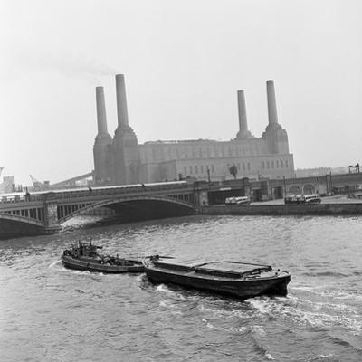 Battersea Power Station, 1954 by Bela Zola