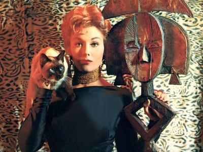 https://imgc.allpostersimages.com/img/posters/bell-book-and-candle-kim-novak-1958_u-L-PH5NGL0.jpg?artPerspective=n