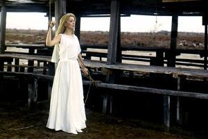 Belle by jour by Luis Bunuel with Catherine Deneuve, 1967 (costumes par Yves Saint Laurent) (photo)
