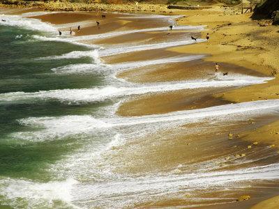https://imgc.allpostersimages.com/img/posters/bells-beach-near-torquay-great-ocean-road-victoria-australia_u-L-P2T95U0.jpg?p=0