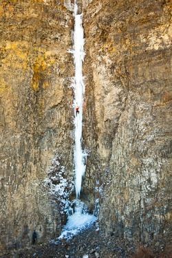 Jess Roskelley on the Cable in Gently-Overhanging at Banks Lake in Central Washington State by Ben Herndon