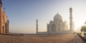 Dawn at the Taj Mahal, UNESCO World Heritage Site, Agra, Uttar Pradesh, India, Asia by Ben Pipe