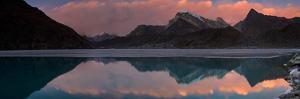 Dudh Pokhari Lake, Gokyo, Solu Khumbu (Everest) Region, Nepal, Himalayas, Asia by Ben Pipe