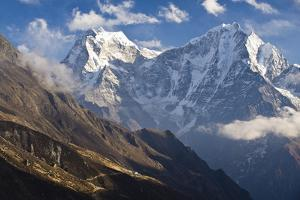 Thamserku and Kantega, Dudh Kosi Valley, Solu Khumbu (Everest) Region, Nepal by Ben Pipe