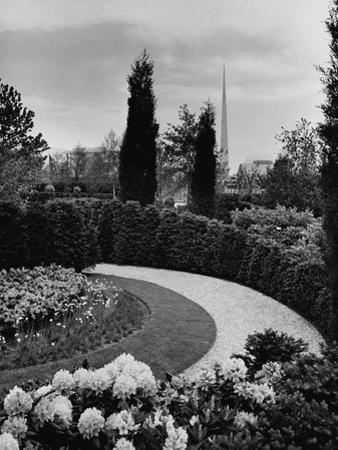 House & Garden - August 1939