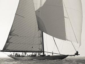 Classic Yacht by Ben Wood