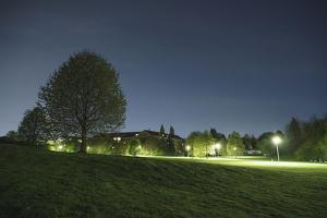 illuminateded park by night by Benjamin Engler