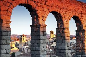 Aqueduct in Segovia by benkrut